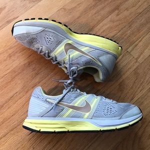 NIKE Air Pegasus 29 Athletic Shoe